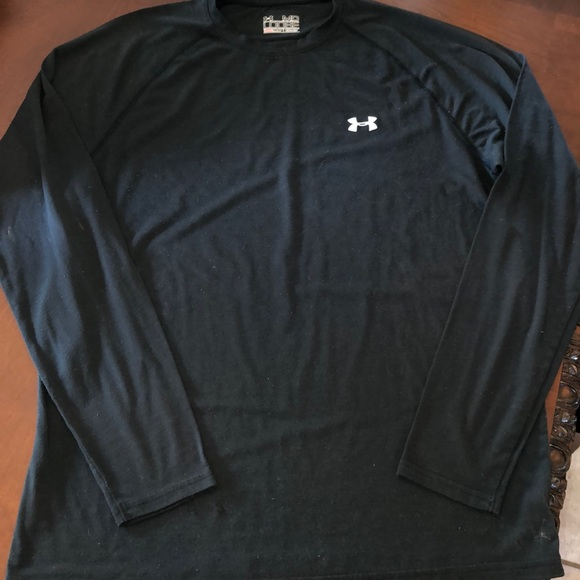 Brand New Mens Yellow /& Gray Under Armour Heat Gear Loose Fit Shirt Size L
